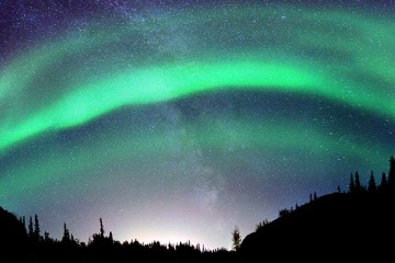 Auora Borealis - www.letsbewild.com - Karl Johnston Photography