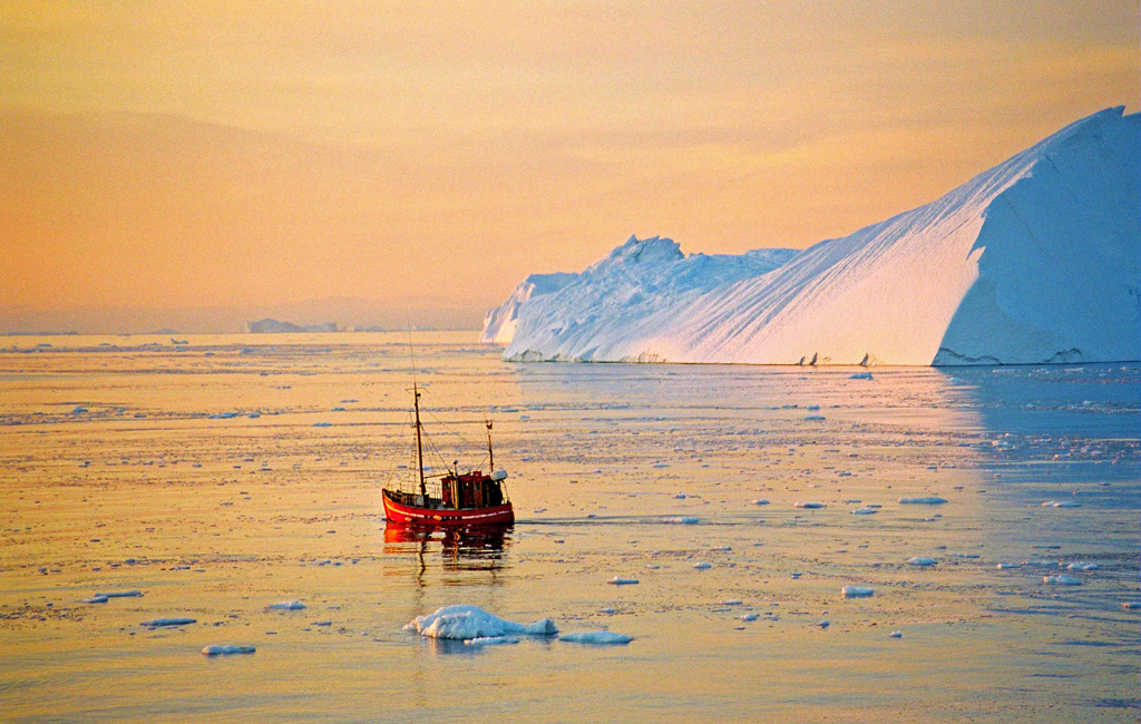 Photo of the Day - www.letsbewild.com - Lonely Boat - Disko Bay, Greenland - Juergen Weiss