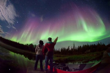 Adventure Travel Photo of the Day: Northern Lights over Vee Lake